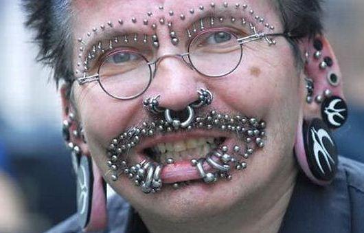 Piercing eta tatuajeen moda pasatu ote da?